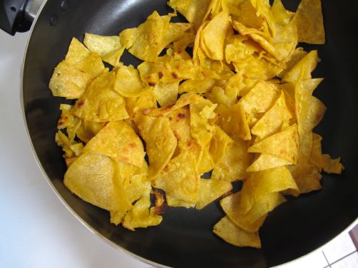 Crispy Tortillas for Chilaquiles Verdes