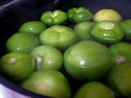 Boiling tomatillos