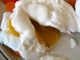Perfectly poached eggs for Eggs Benedict