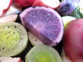 Purple potatoes and leeks for roasting