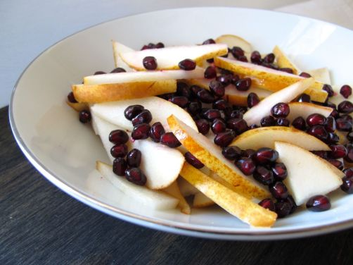 Pear and Pomegranate Salad with Hazelnuts