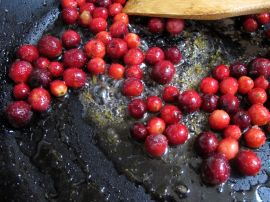 Cranberries for Skillet Cranberry Apple Crisp (Gluten-Free)