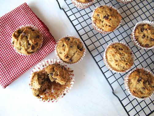 Banana Biscoff Muffins with Walnuts and Chocolate Chips