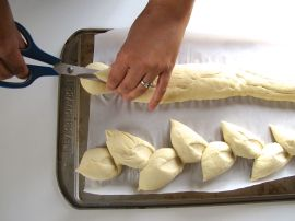 How to cut epi baguettes (pain d'epi)