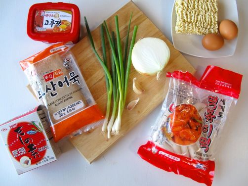 Ingredients for Rabokki: kochujang chili paste, oemuk fish cakes, dashi-no-moto, tteok rice cakes