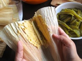 How to fold a tamale
