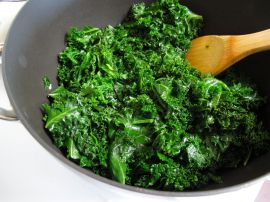 Sauteed Kale for Garlicky Kale Pizza