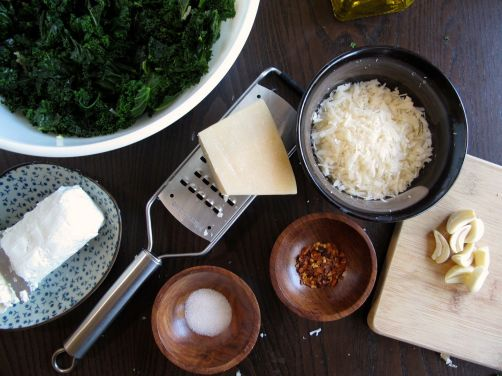 Ingredients for Garlicky Kale PIzza with Parmesan and Goat Cheese