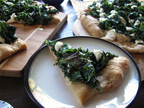 Garlicky Kale PIzza with Parmesan and Goat Cheese