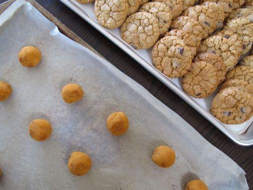 Wedding favor cookie baking!