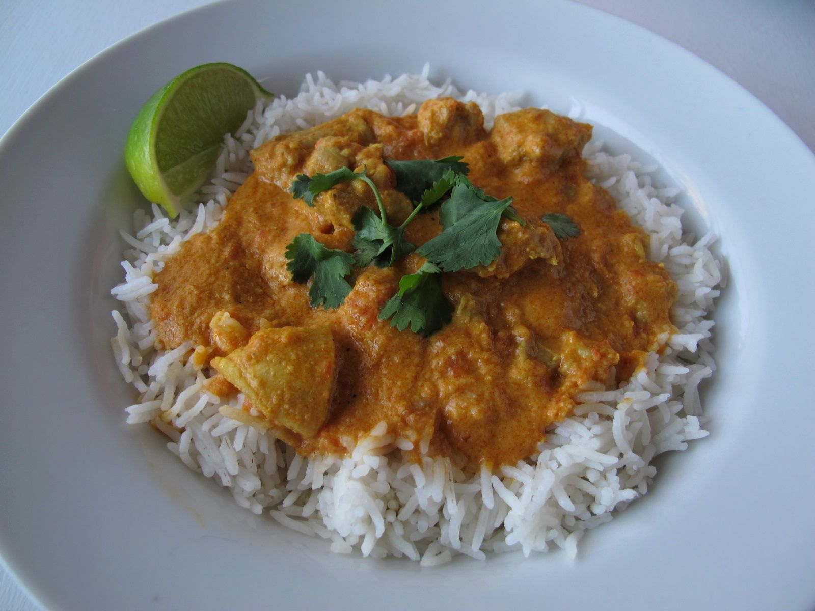 Easy indian chicken curry spontaneous tomato easy indian chicken curry with tomatoes and coconut milk forumfinder Image collections