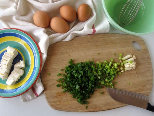 Making Scallion Cream Cheese Eggs (SCC)