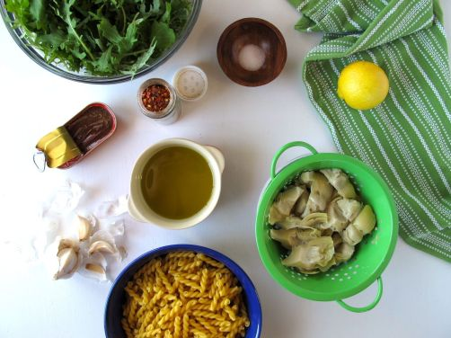 Ingredients for Garlicky Kale and Artichoke Pasta