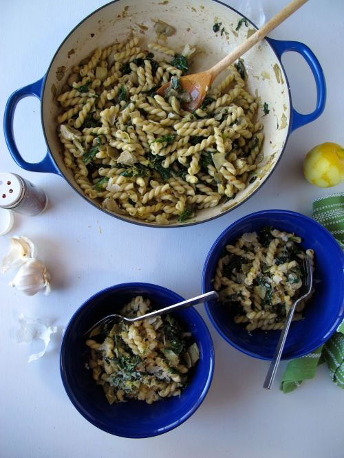 Kale and Artichoke Pasta with Garlicky Anchovy Sauce