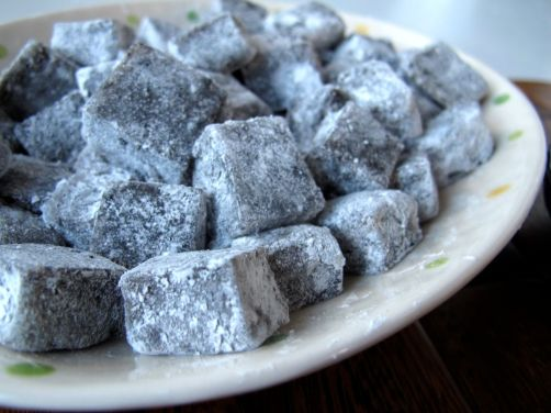 Kibidango-style Black Sesame Mochi Dango (Dumplings)