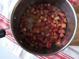 Pre-cooked rhubarb for baked oatmeal