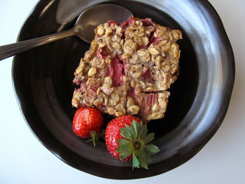 Make-ahead Strawberry Rhubarb Baked Oatmeal